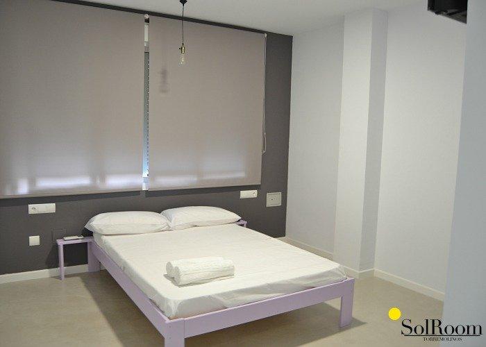 hostal solroom