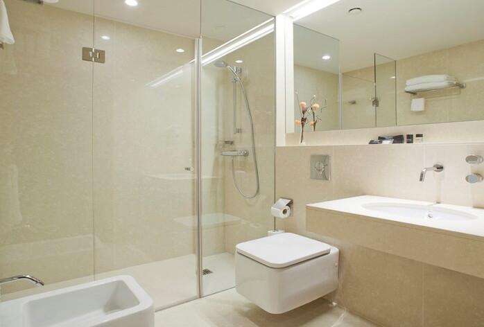 Araba habitación doble baño
