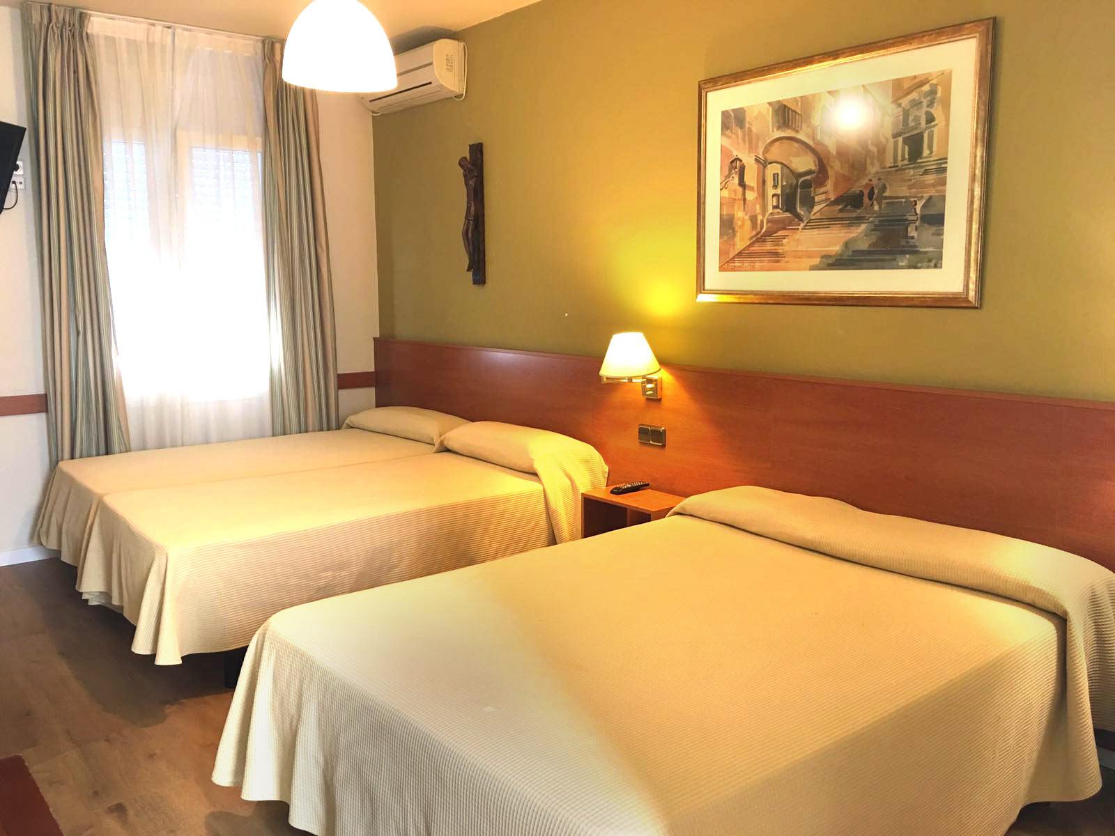 Habitación en Girona Hotel Europa