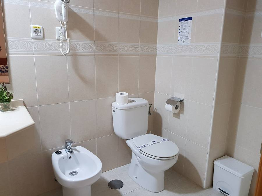hotel marconi baño habitacion lateral
