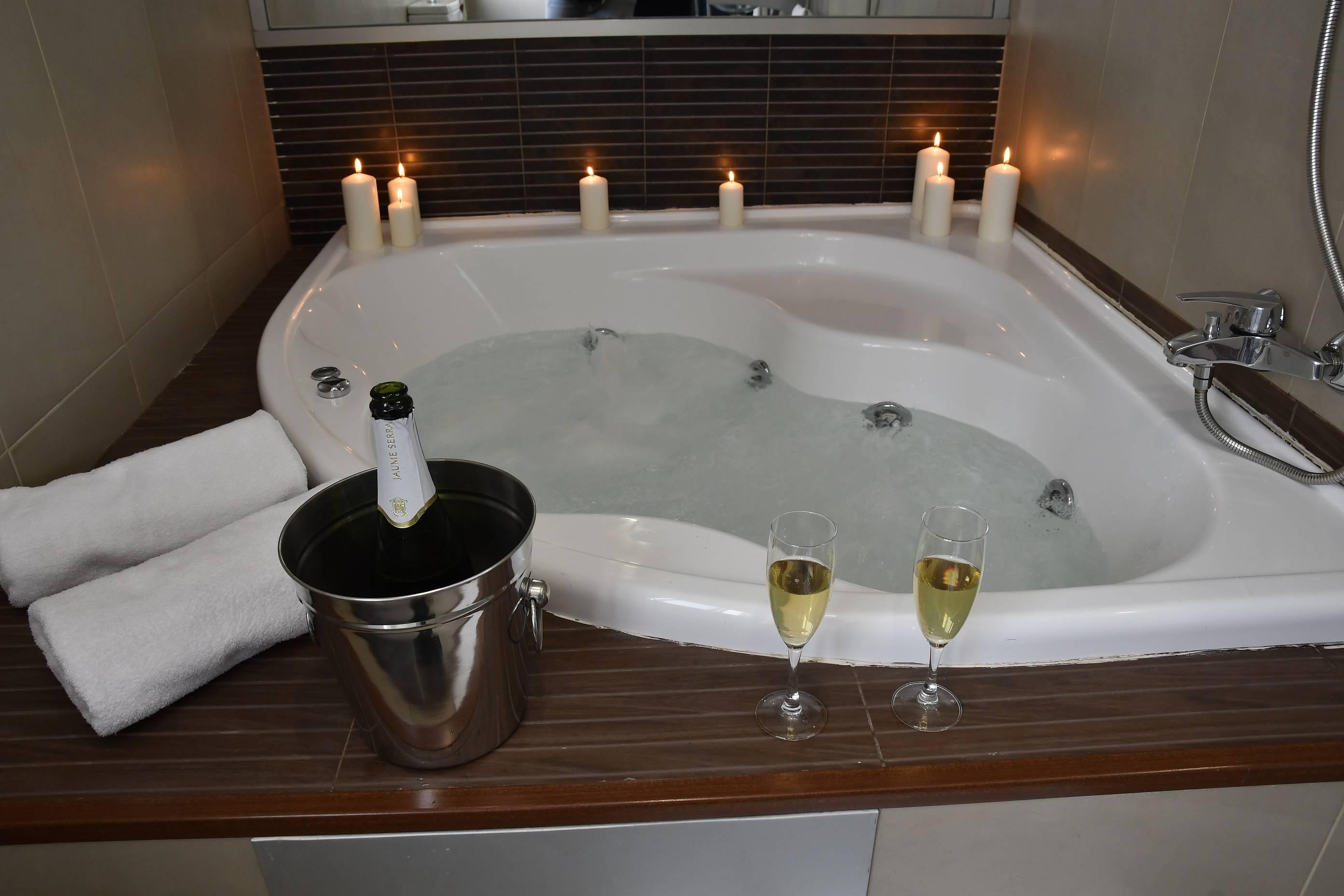 Baño superior bañera hidromasaje