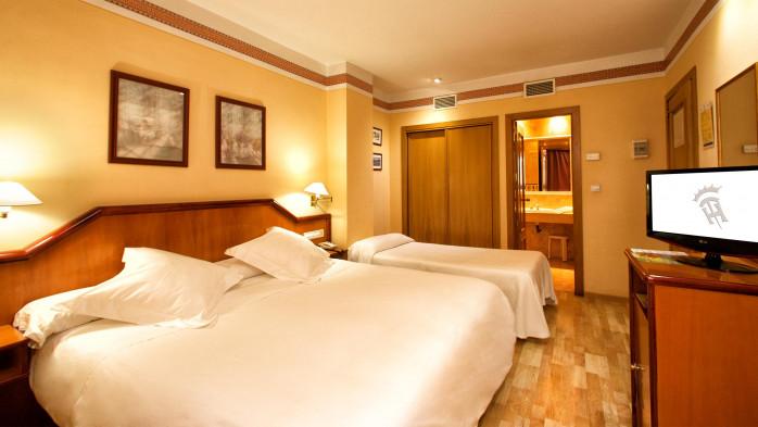 HOTEL TORREPALMA, 124