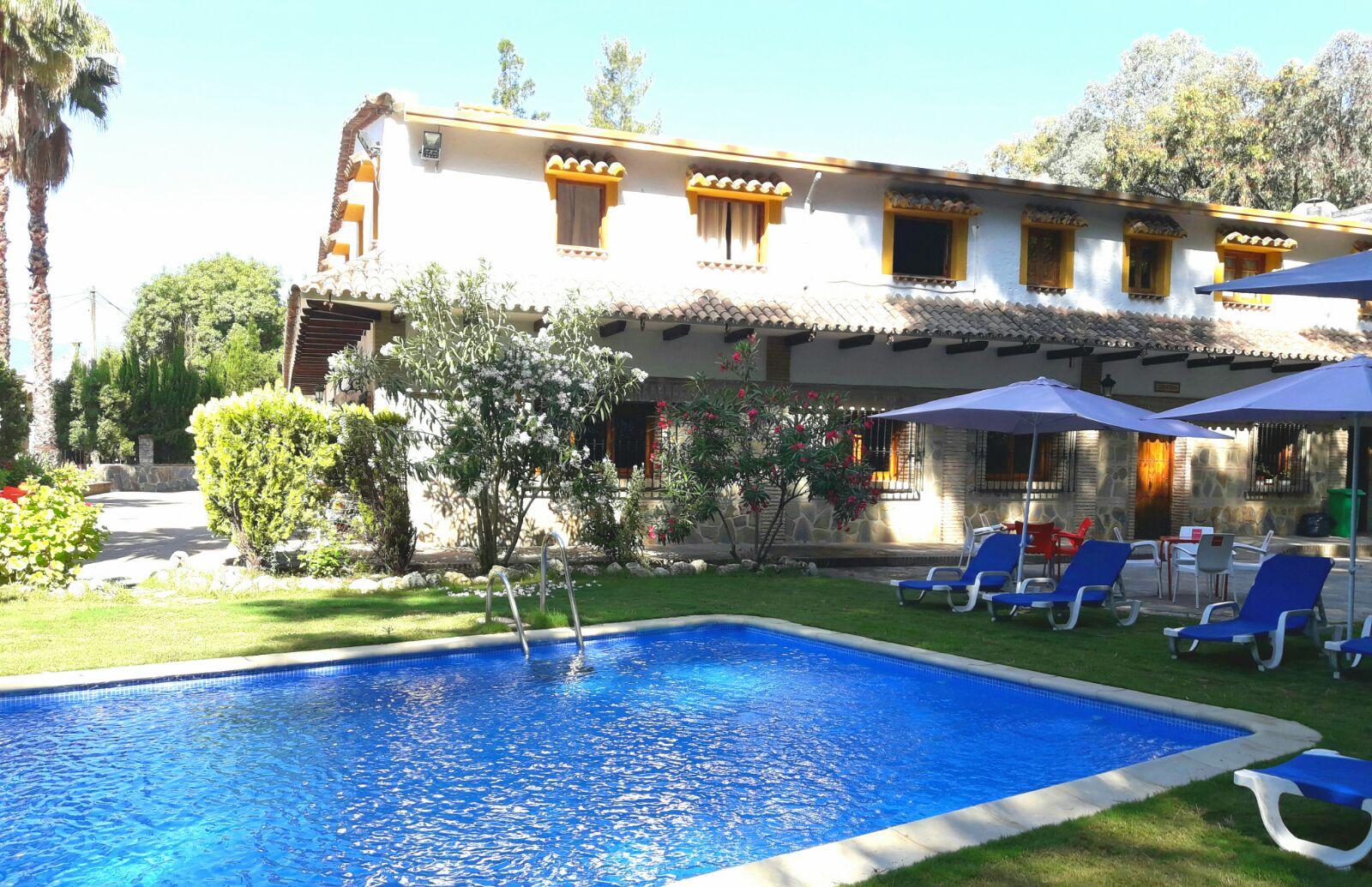 Hotel hospeder a las buitreras en cortes de la frontera m laga - Champoluc hotel con piscina ...